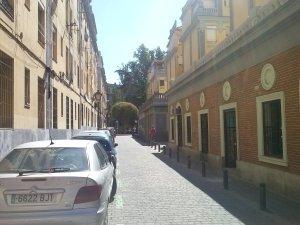 Calle San Daniel. Recorrido de acceso a la plaza similar al mencionado arriba